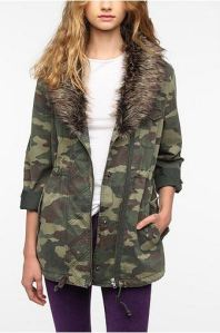 urban outfitters camo fur jacket